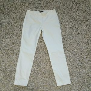 Theory. White Cropped Pant. Size 0.